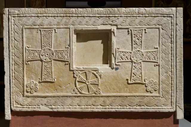 altare di rachtis 2